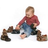 Почему именно в детстве важно носить ортопедическую обувь?